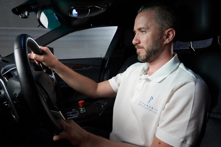 """Entwicklungsprogramm des rein elektrisch angetriebenen Supersportwagens Pininfarina Battista wird mit letzten Tests im Windkanal sowie mit Dynamiktests in modernem Fahrsimulator fortgesetzt - Entwicklungsfahrer Nick Heidfeld begeistert von spektakulärer Performance des Hypercars im Simulator: """"Die Beschleunigung des Battista ist absolut umwerfend."""" - Battista gibt mit weiterentwickeltem Frontdesign sein Debüt beim High-Class-Event """"The Quail"""" im Rahmen der Monterey Car Week - Enthüllung von Automobili Pininfarinas visionärem Zukunftsdesign im House of Automobili Pininfarina in der Nähe von Pebble Beach - Neue Bilder und ein neues Video sind hier verfügbar: bit.ly/2JmRQ2N"""